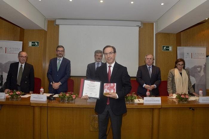 Dr. Álvaro Castellanos