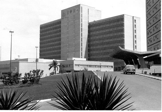Exterior Pabellón Central Hospital La Fe